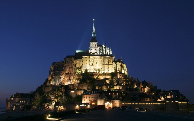 mont_saint_michel_castle_france
