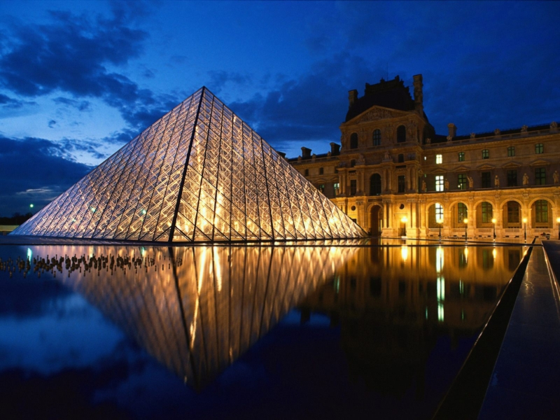 pyramid-at-louvre-museum-paris-france